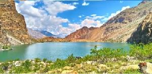kharfaq lake